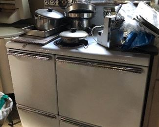 vintage General Electric kitchen stove / oven