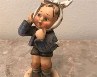Hummel boy with toothache  Full b v - 1958 ?