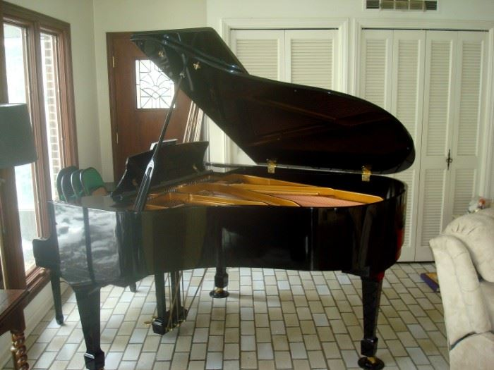 Kohler & Campbell baby grand piano and bench.
