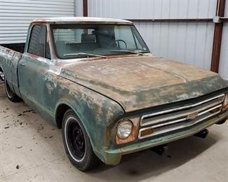 1967 Chevrolet pickup truck STARTS RUNS DRIVES