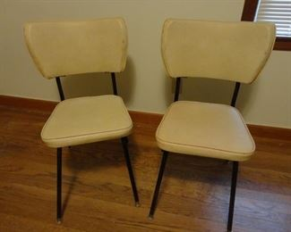 5 of these MCM Chairs