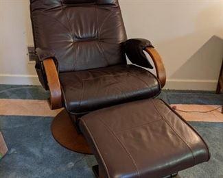 AvantGlide leather recliner/rocker