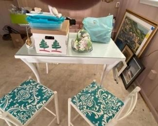 Table and 2 chairs - 95.00