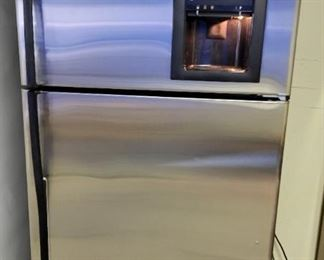 2015 GE Profile Stainless w/Icemaker