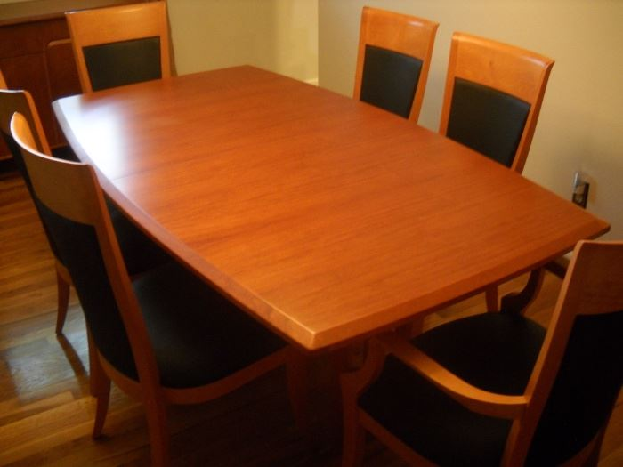 CHERRY dining table with 6 chairs from House of Denmark