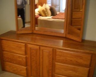 Oak bedroom dresser part of set