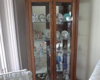 Oak Curio Cabinet BUY IT NOW $250.00
