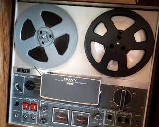 Sony three head stereo tapecorder TC-366 Solid State