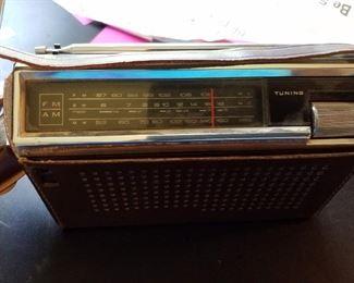 National Panasonic am-FM 3 band 9 transistor radio