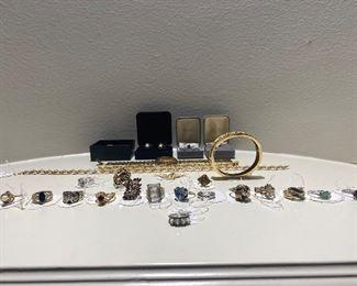 VTG - Gold Rings w/ various stones-gems, Bracelets & 10k Seiko Watch