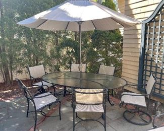 Brown Jordan Oval Patio Table, Umbrella and 6 Chairs