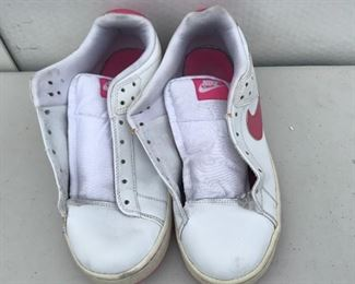 P5: Vintage Women's Nike, No Shoe Lace,  Size: 6.5 in White/Pink Color