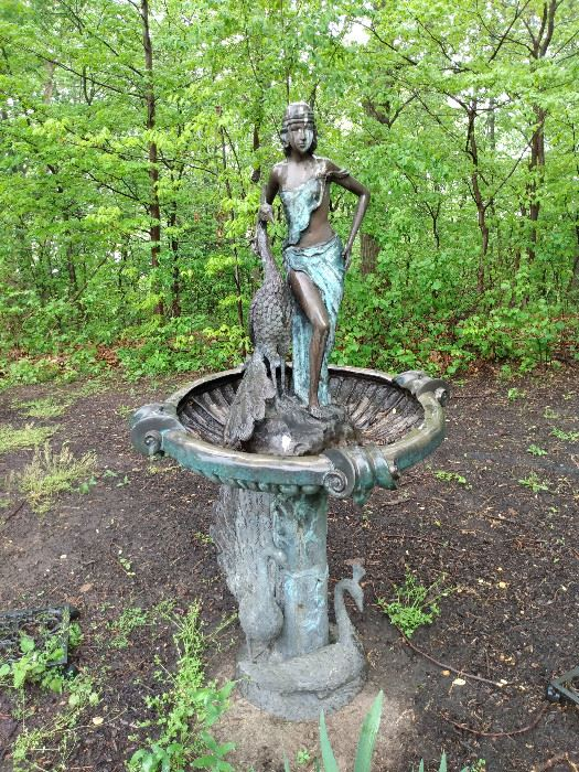Front view BRONZE fountain