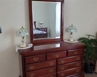 Queen bedroom suite - dresser