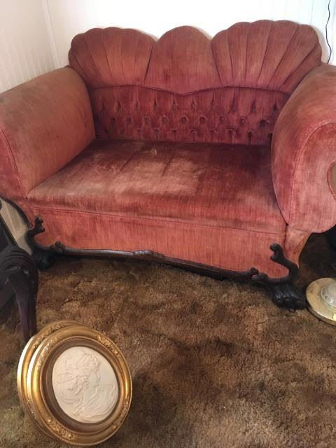1800's Settee makes into a bed