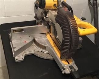 DeWalt 12 Compound Mitre Saw