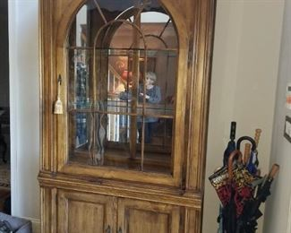 GORGEOUS SOUTHERN FURNITURE CABINET 600.00