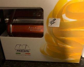 Atlas Pasta Maker New In Box $30