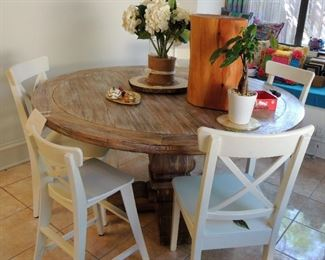 Reclaimed Wood, Round dining table with 5 chairs (including one toddler)!.   Sturdy, large solid wood table