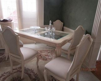 Stanley dining room table with 6 chairs
