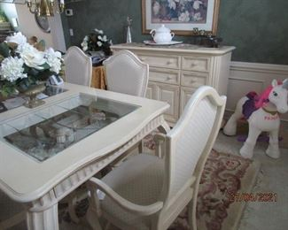 Dining room table with 6 chairs and leaf (plate glass insert)