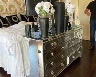 Fabulous Mirrored Dresser with Nine Drawers, Custom Floral Arrangements in Black and Silver Vases