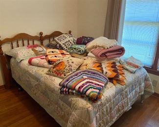 Queen bed, bedding, Afghans, quilts