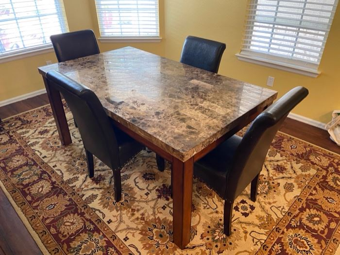Dining table with four chairs, 66 x 38 x 31