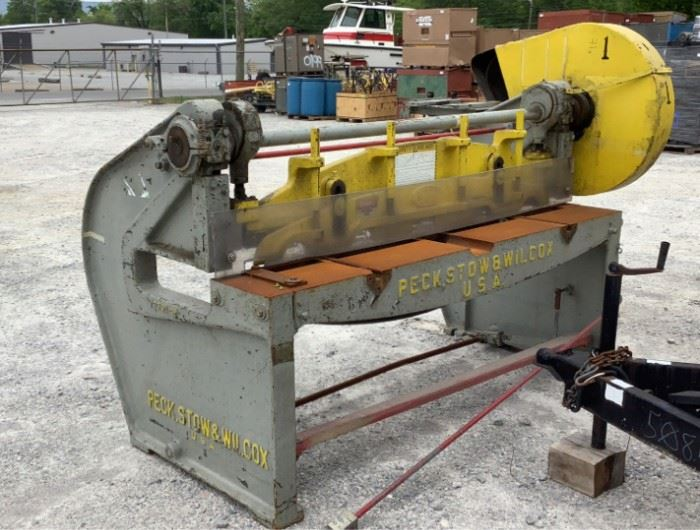 """11 Image(s) Located in: Chattanooga, TN MFG Peck, Stow And Wilcox Model 2791-M 6' Foot Shear Size (WDH) 108""""W x 58""""D x 70""""H *Missing Motor* **Sold as is Where is** Unable to Test"""