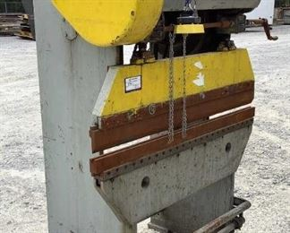 """Located in: Chattanooga, TN MFG Verson Ser# 12081 16-18 All steel Press Brake Size (WDH) 49-3/4""""Wx50-1/2""""Dx73""""H 15 Ton Cap *Sold As Is Where Is* Unable to Test"""