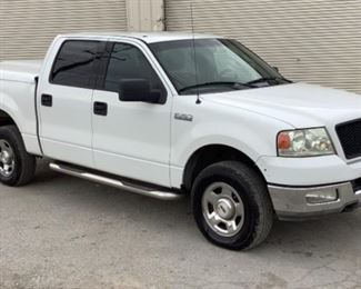 VIN 1FTPW14564FA12097 Year: 2004 Make: Ford Model: F-150 Trim Level: XLT 4x4 Engine Type: 5.4L Triton V8 Transmission: Automatic Miles: 221,684 Color: White Buyer Premium 10% BP Located in: Chattanooga, TN Operational Status: Runs and Drives Power Windows Power Locks Power Mirrors Manual Seats Cloth Interior Heat/AC Tested Works **Sold as is Where is**  1-24