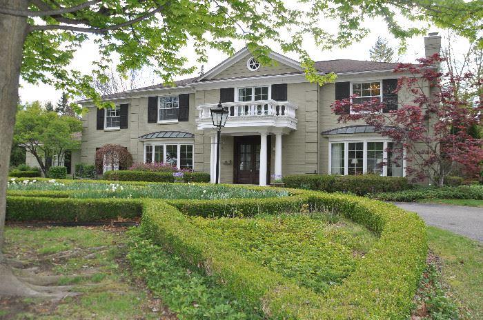 Gorgeous home for a fabulous estate sale!