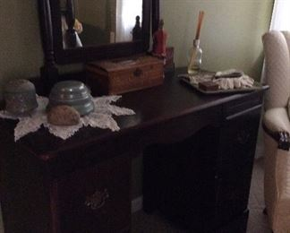 SOLD Dresser sold as part of set