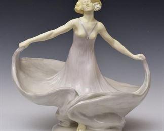Karl Phillip centerpiece ca. 1925