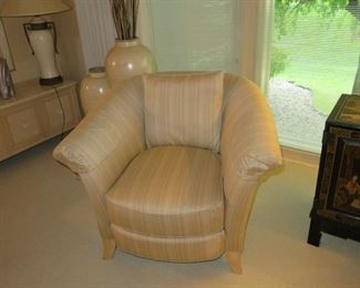 HICKORY WHITE CHAIR