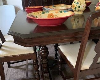 Dining room table w 6 chairs