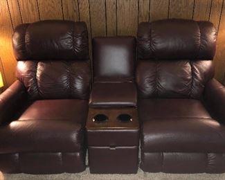 Tons of La-Z-Boy Furniture! 1/11