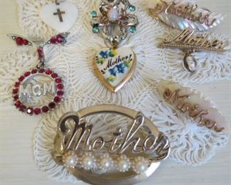 Beautiful Mother's Day pins.