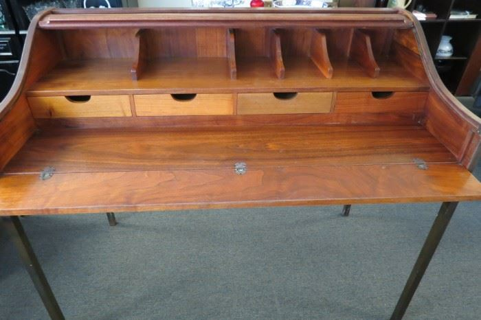 Rare!!Mid Century modern Arcadia Glenn of California walnut roll top desk.
