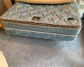#5Beauty rest Fellings Classic 2000 soft side water bed mattress set  $75.00