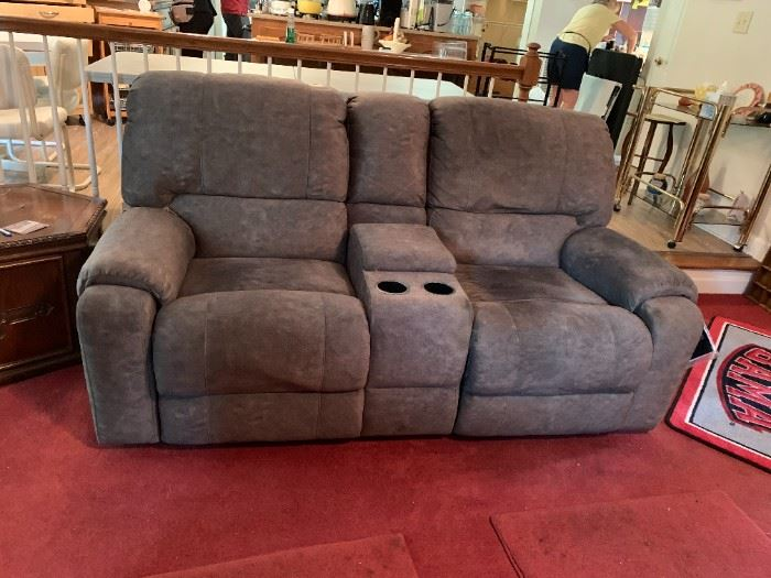 #17Morris Electric Theatre Double Reclining Seats w/middle Cup Holder & compartments w/USB & Outlets (as is top Spot)  75W  $175.00