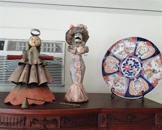 Day of the Dead figures, oriental plate