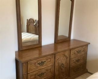 Armstrong Large Dresser with Mirrors