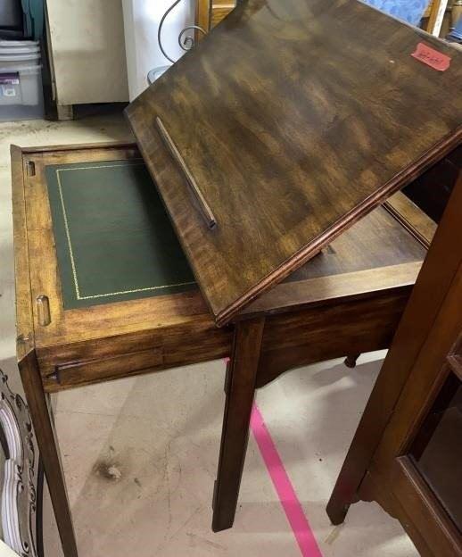 Lift Top Artist Desk Vintage