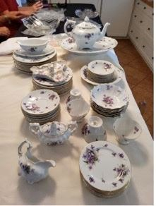 WCT004 - SPRING VIOLETS HAND PAINTED CHINA