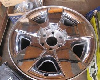 Chrome Wheel New Wheel Take Off !! 18x8.5 PCD 5/16 x13.5.7