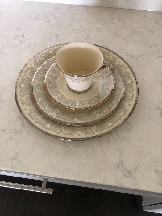 Lenox Snow Lily 8 dinner plates, 8 salad plates, 8 cups and saucers $400