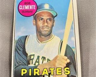 Lot 016 1969 Topps Roberto Clemente Card.   https://www.bidrustbelt.com/Event/LotDetails/118856313/1969-Topps-Roberto-Clemente-Card