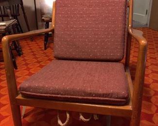R316Dux Mid Century Chair