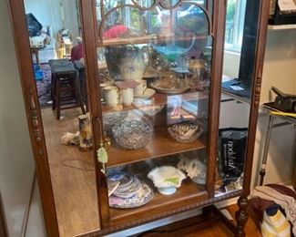 051Dr Antique Mirrored Display Cabinet